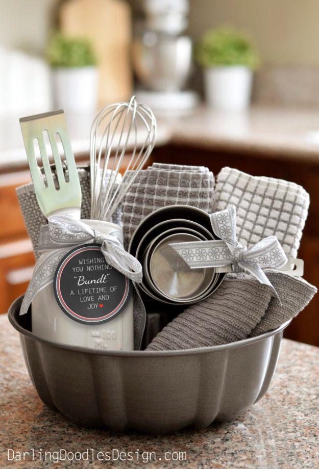 Diy housewarming gifts adorable bundt gift basket best do it diy housewarming gifts adorable bundt gift basket best do it yourself gift id solutioingenieria Gallery
